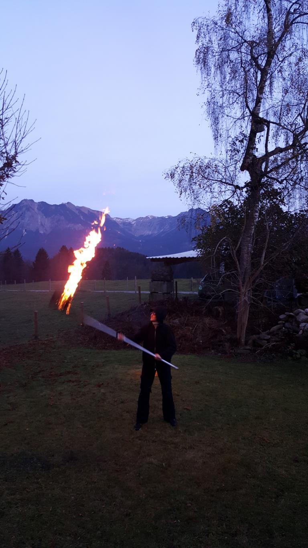 Feuerfackel in den Bergen